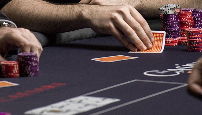 POKER CASH RACE